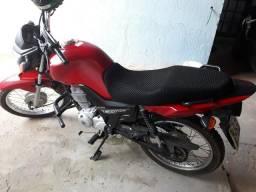 Vendo moto Honda - 2014