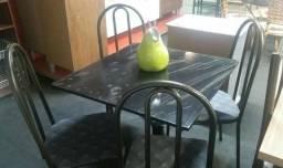 Mesa aço tubular com 4 cadeiras - Produto Novo