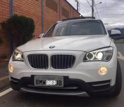 BMW X1 2.0 sDrive 20i 2013 c/teto - 2013