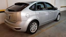 Ford Focus Ghia 2.0 Hatch Flex AT impecável