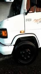 Caminhão baú 3/4 - 2006