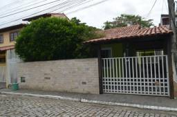Alugo casa com 3 quartos em Maria Paula