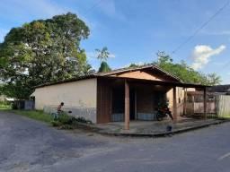 Casa c/Ponto comercial 330m²