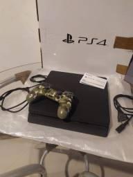 PS4 Slim semi novo na caixa c controle e 01 jogo