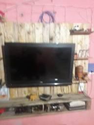 Vendo TV 32 polegadas com converso incutido com detalhes