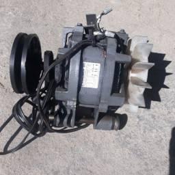 Motor de esteira ergométrica de indução monofásico