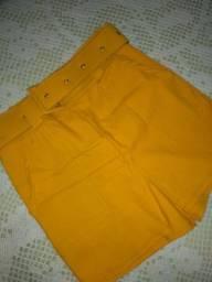 Short saia amarelo com cinto