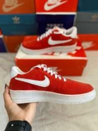 Tênis Nike Air Force vermelho/Goiaba