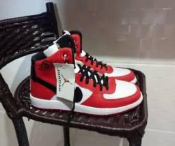 'Nike Air Jordan 1'