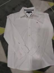 Camisa Tommy Hilfiger infantil original Branca  ML tam. 6  Ótimo estado
