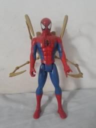 Boneca homem aranha