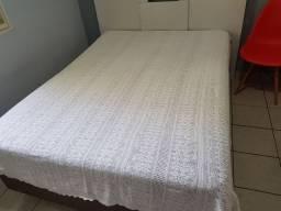 2 colchas e 2 toalhas de mesa em crochê