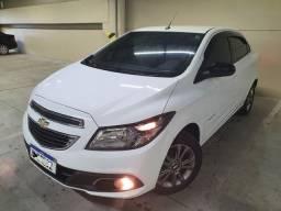 Chevrolet Prisma Advantage 1.0 Flex,  2015 na cor Branco Summit.<br>