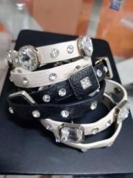 Conjunto de pulseiras em couro artificial