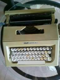 Venda máquina de escrever olivett letera 25