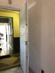 Título do anúncio: Alugo sala para escritório, consultório ao lado do fórum de cascadura  Rio.