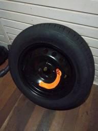 Roda e pneu novo