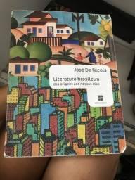 Livro de literatura brasileira