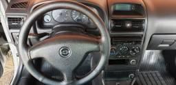 Vende-se Astra bem conservado motor 1.8
