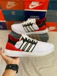Tênis Adidas ultraboost