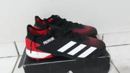 Chuteira Adidas Predator 20.3 Low Society Preto e Vermelho