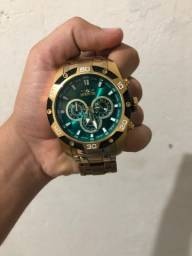 Relógio invicta sem marca de uso