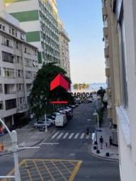 Conjugado próximo a Praia e Metro à venda em Copacabana.