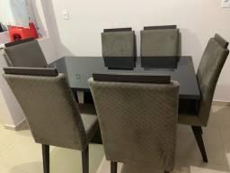 Mesa semi nova com 6 cadeiras
