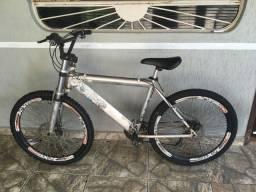 Bike usada, em bom estado (não aceito troca)