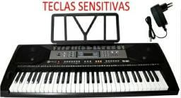 Teclado Musical Spring TC 361 61 Teclas Sensitivas + Fonte + Suporte Partituras<br><br>