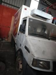Caminhão 3510 refrigerado