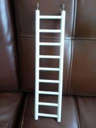 Escada de madeira para pássaro