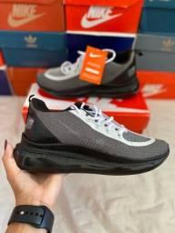 Tênis Nike 720
