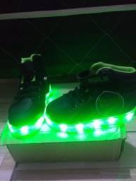 Sapato do Hulk luz novo com carregador