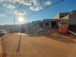 Casa para Venda em Ponta Grossa, Uvaranas, 3 dormitórios, 1 suíte, 2 banheiros, 2 vagas
