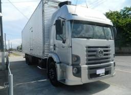 Caminhão truck VW 24-250 constellation baú
