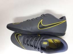 Título do anúncio: Chuteira Futsal Nike - tamanho 41