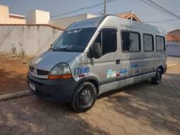 Título do anúncio: Van master. Vendo ou troco por micro ônibus.