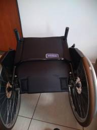 Cadeira de rodas largura 44 cm