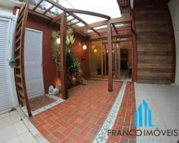 Casa Linear no centro de Guarapari estilo rustico com lazer completo