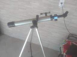 Telescópio com tripé