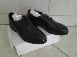 Sapato preto novo 43