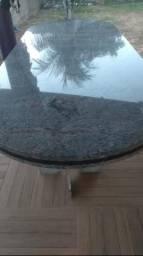 Vende- se mesa grande em mármore valor R$ 4.000