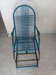 Vendo está cadeira de balanço para sua criança de 8 anos