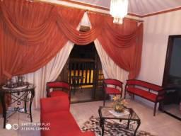Alugo casa grande no centro de Paracatu. Temporada / diária / semanal / Mensal