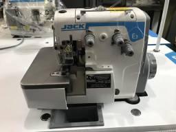 Maquina de Costura Overlock JACK Nova
