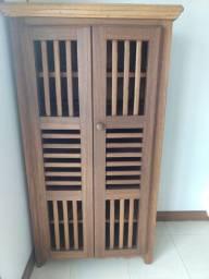 Sapateira de madeira 1,60x0,90x0,50