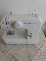 máquina de costura Singer Star semi nova na garantia