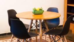 Conjunto de mesa estilo eiffell Tampo Madeira Maciça
