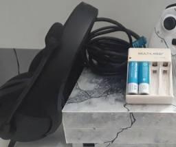 Título do anúncio: Headset da HyperX + Carregador com pilhas.